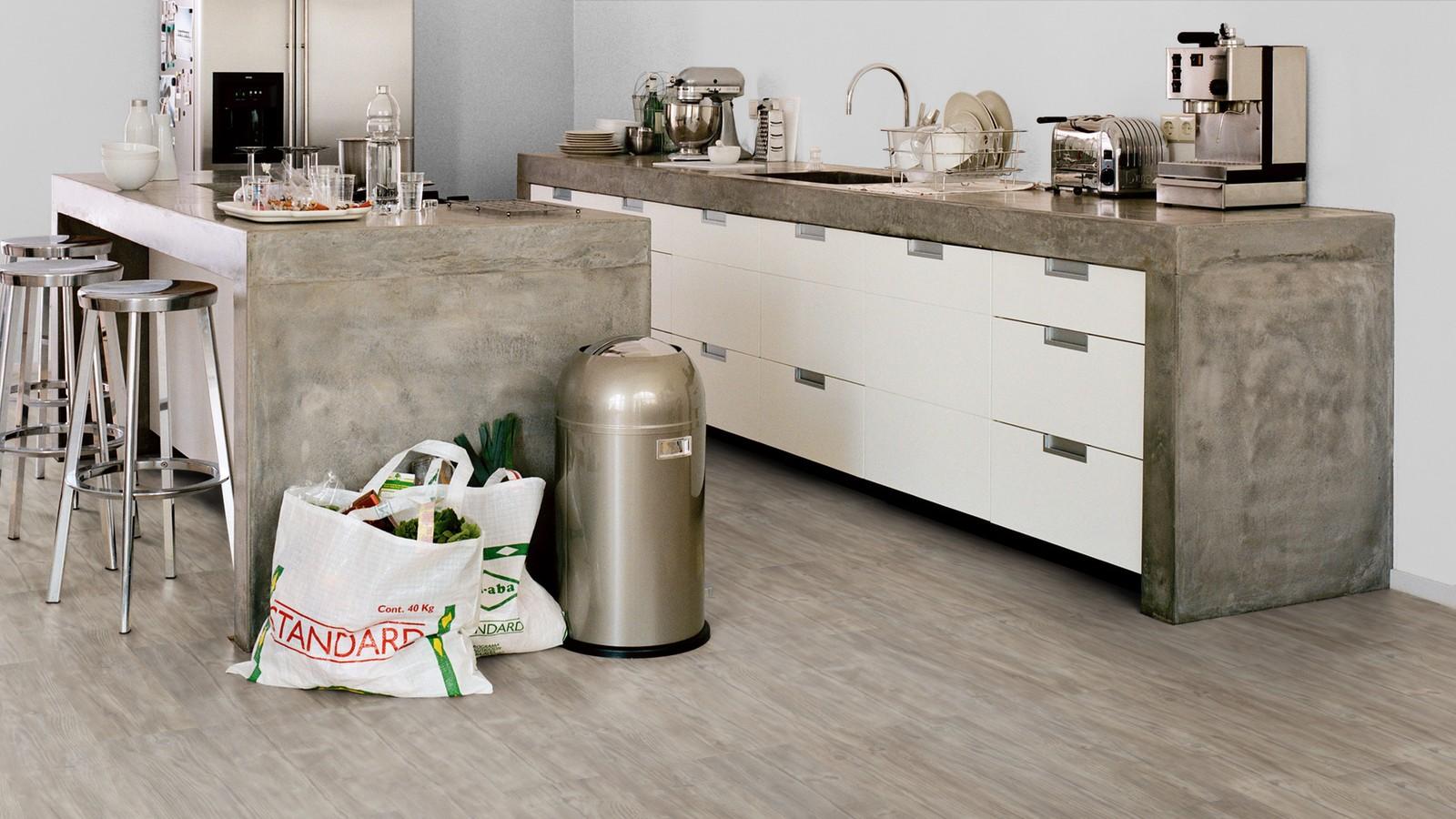 Forbo allura click 40 Designboden Klicksystem weathered rustic pine Bodenbelag in der Küche