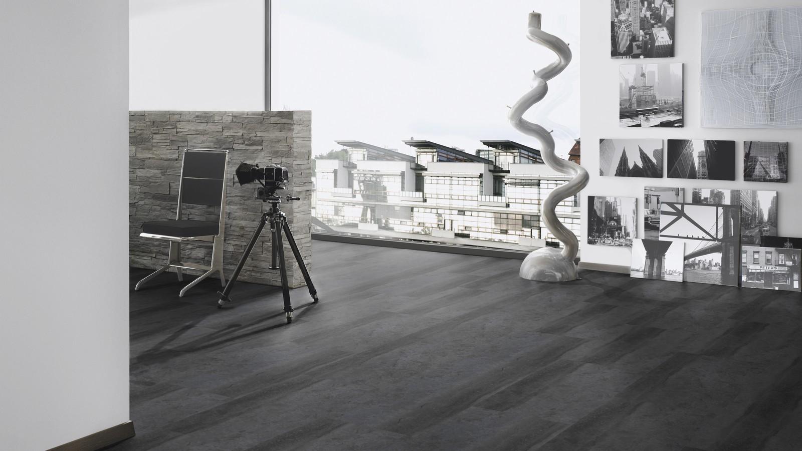 Click-Designboden ter Hürne PerForm STONE CHOICE Stein Monaco anthrazit Naturstein matt Raumbild
